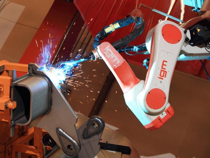 Robot de soldagem com arco eléctrico