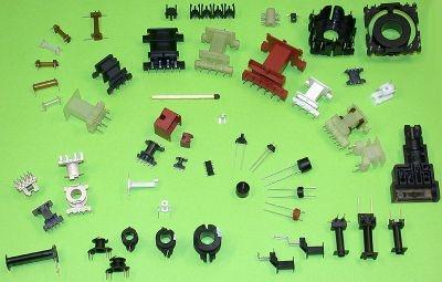 عناصر من البلاستيك