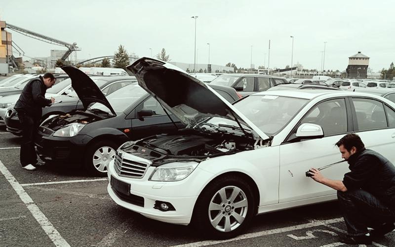 Fahrzeugaufnahme Auktionsgelände
