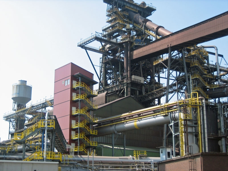 Empresas de construção de maquinaria e equipamento