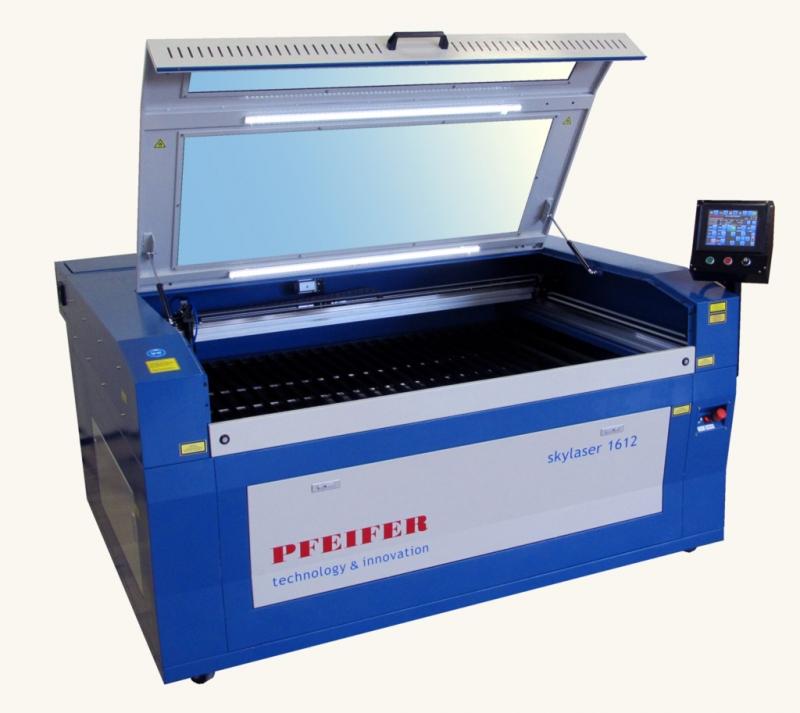 CNCレーザーカット設備