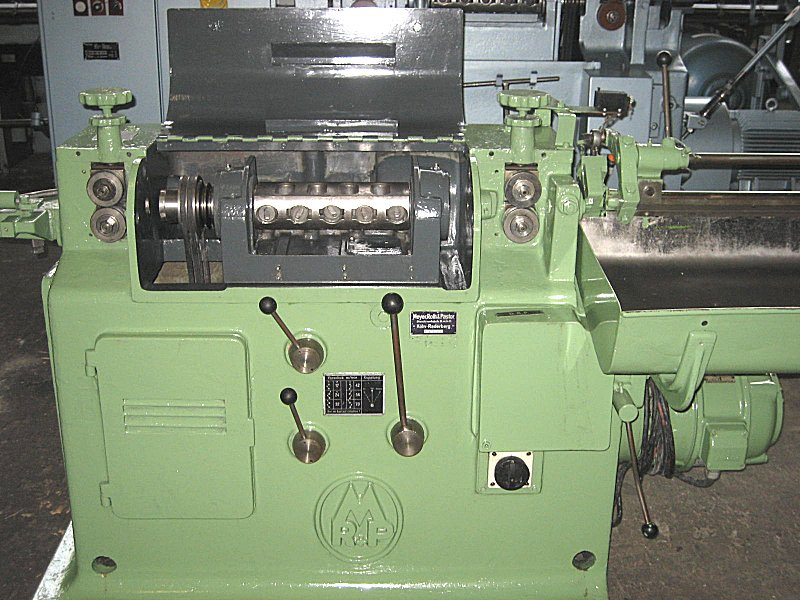 Máquina para endireitar arame