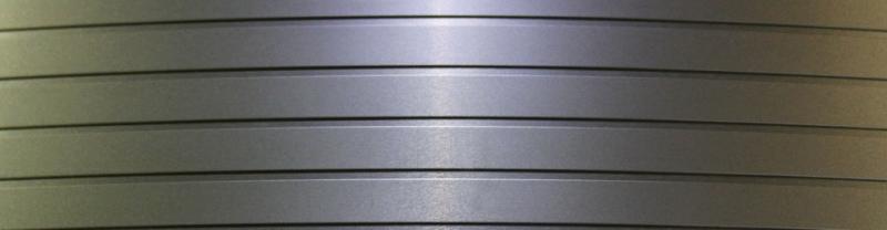 Bandella d'acciaio con superficie raffinata