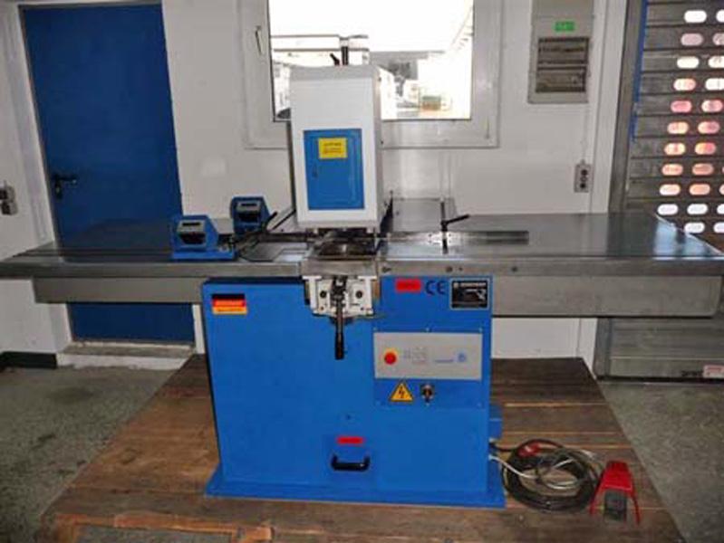 Prasy hydrauliczne / Retsch Maschinen GmbH