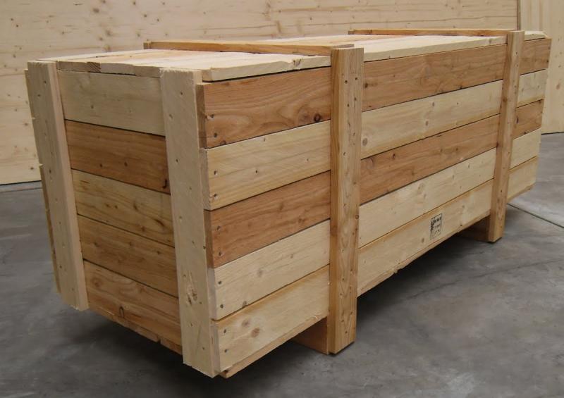 Полные деревянные ящики