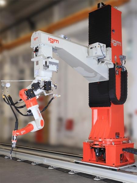 روبوت اللحام بالقوس الكهربائي
