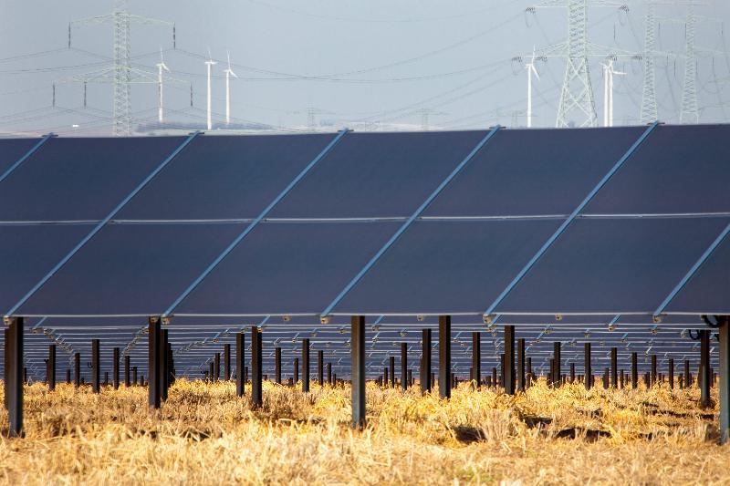 Solar tesisi inşaatı
