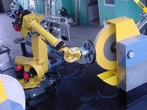 Robô de rebarbamento
